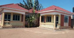Houses for sale in Nkumba Entebbe at shs 100,000,000