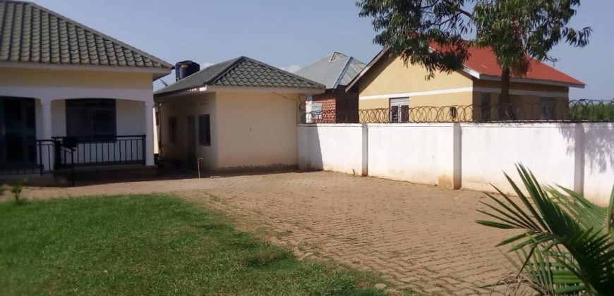 House for sale in Munyonyo at shs 250,000,000