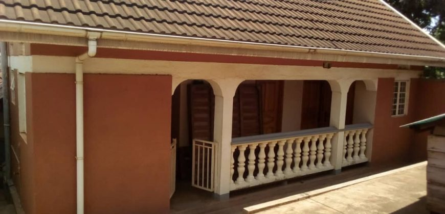 House for sale in Ntinda Magambo road at shs 800,000,000
