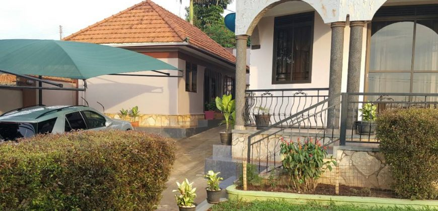 House for sale in Bukoto at shs 280,000 US dollars