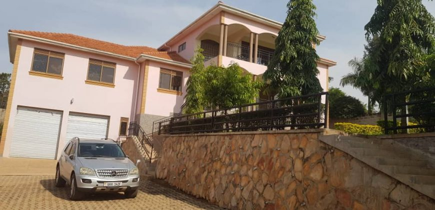 House for sale in Lubowa at shs 1,200,000,000