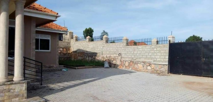 House for sale in Najjera Buwate road at shs 380,000,000