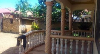House for sale in Bweya-Kajansi at shs 200,000,000