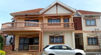 House for sale in Muyenga Bukasa at shs 800,000,000