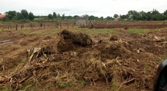 Plots for sale in Kawuku Ziiru town Entebbe road at shs 25,000,000