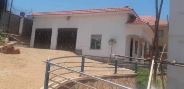 House for sale in Namasuba Entebbe road at shs 300,000 US dollars