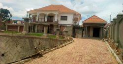 House for sale in Mukono Town at shs 450,000,000