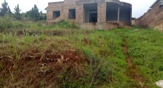 Shell house for sale in Kitende Kitovu Nalubude Enttebbe road at shs 85,000,000