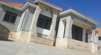 House for sale in Kira-Bulindo at shs 450,000,000