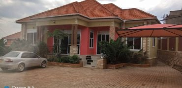 House for sale in Kira Bulind road at shs 450,000,000