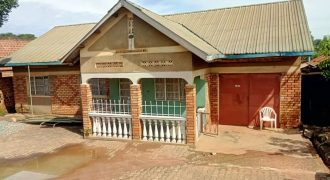 House for sale in Mukono-Nasuti at shs 150,000,000