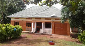 House for sale in Narugara Garuga Entebbe road at shs 150,000,000