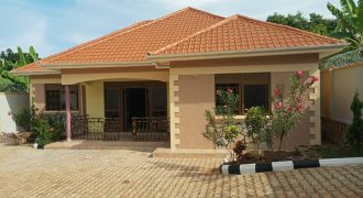 House for sale in Kajjansi at shs 320,000,000
