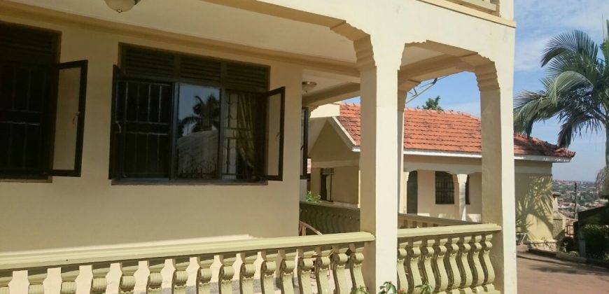 House for sale in Kireka at shs 410,000,000