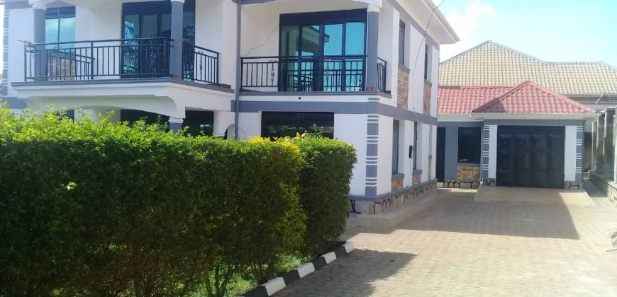 House for sale in Kitende Entebbe road at shs 600,000,000