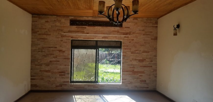 3 Bedroom House in Nalufenya on the River for Rent