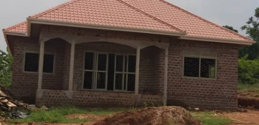 Shell house for sale in Namugongo Sonde at shs 110,000,000
