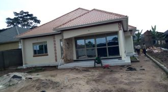 House for sale in Gayaza Makenke at shs 350,000,000