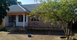 House for sale in Nkumba Entebbe road at shs 100,000,000