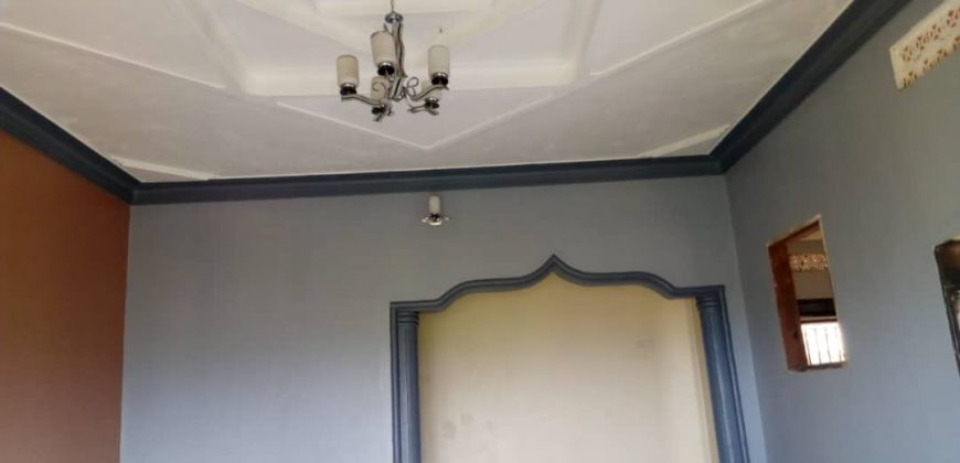 Bungalow for sale in Bwebajja Janyi Entebbe road at shs 300,000,000