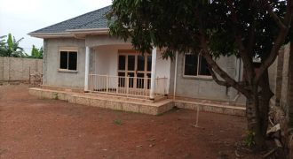 House for sale in Mukono Nabuti at shs 160,000,000