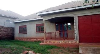 House for sale in Nansana Kayunga at shs 130,000,000