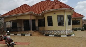 Mansion for sale in Kira Bulindo road at shs 650,000,000
