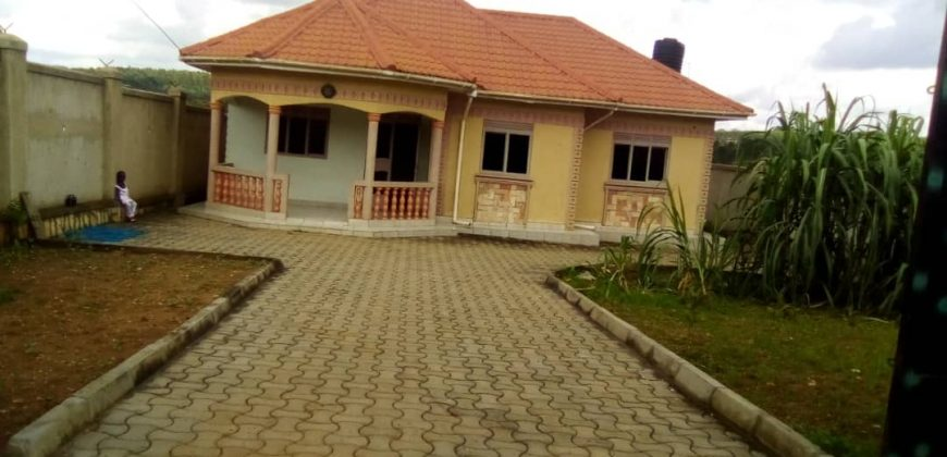 House for sale in Seeta Mukono at shs 220,000,000