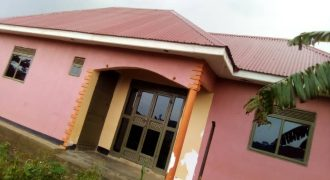 House for sale in Mukono Ntawa at shs 40,000,000