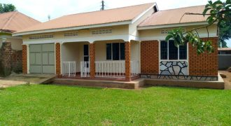 House for sale in Gayaza Manyangwa at shs 110,000,000