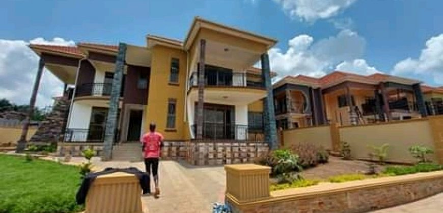 House for sale in Kiwatule at shs 1,200,000,000