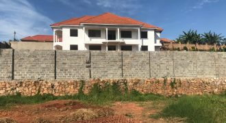Shell house for sale in Kyanja at shs 570,000,000