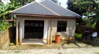 Housefor sale in Mukono Nabuti at shs 60,000,000
