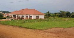 House for sale in Gayaza town at shs 400,000,000