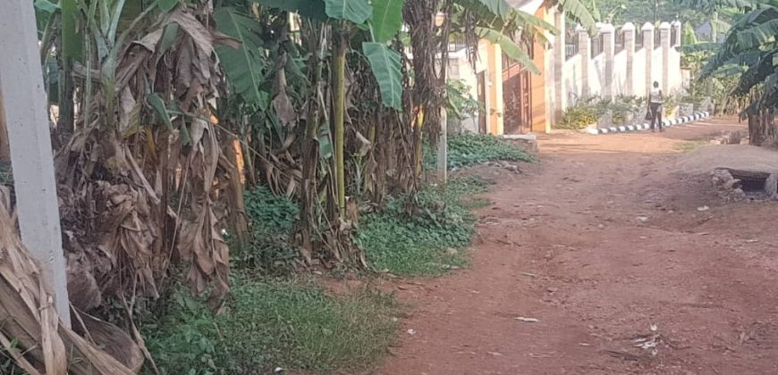 Plots for sale in Mutungo Kakoola Entebbe road at shs 120,000,000