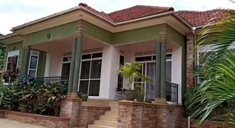 House for sale in Kyaliwajjala at shs 430,000,000