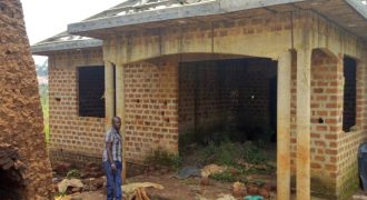 Shell house for sale in Joggo town at shs 40,000,000
