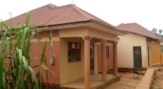 House for sale in Kisaasi at shs 65,000,000