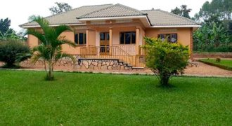 House for sale in Dundu Gayaza road at shs 320,000,000