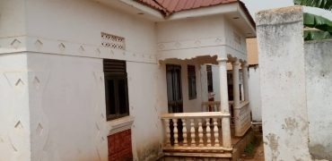 House for sale in Kibiiri Kibuye Busabala road at shs 42,000,000