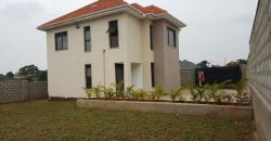 Flat house for sale in Kitende Kitovu Entebbe road at shs 300,000,000
