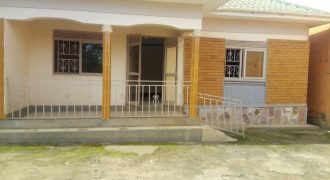 House for rent in Kiwatule at shs 700,000