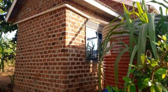 House for sale in Manyangwa Ndazabazadde at shs 17,000,000