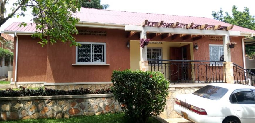 House for sale in Kisaasi at shs 420,000,000