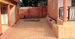 House for sale in Kiwatule at shs 380,000,000