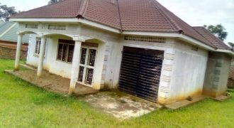 House for sale in Mukono Nsuube at shs 250,000,000