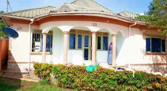 House for sale in Kira Nsasa at shs 160,000,000