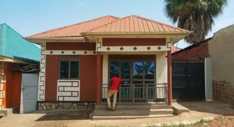 House for sale in Nansana Wamala at shs 45,000,000