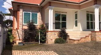 House for sale in Kitende Entebbe road at shs 500,000,000